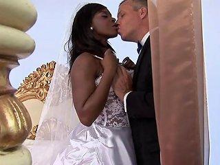 Ebony With Bubble Butt Riding Big Python Hardcore In Interracial Sex