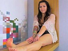 Footfetish Shemale Babe Filmed In POV