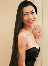 Youll be gagging to fuck this wanking ladyboy